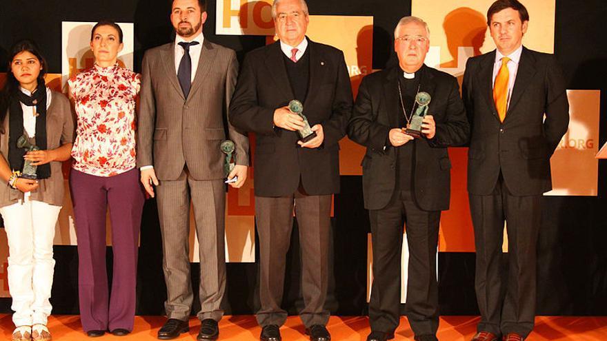 Santiago Abascal, el obispo de Alcalá e Ignacio Arsuaga (dcha) en la gala de premios HazteOir 2012