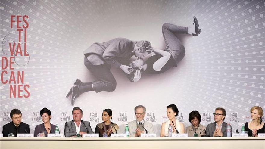 Spielberg y el jurado de Cannes buscan sorprenderse y enamorarse de un filme