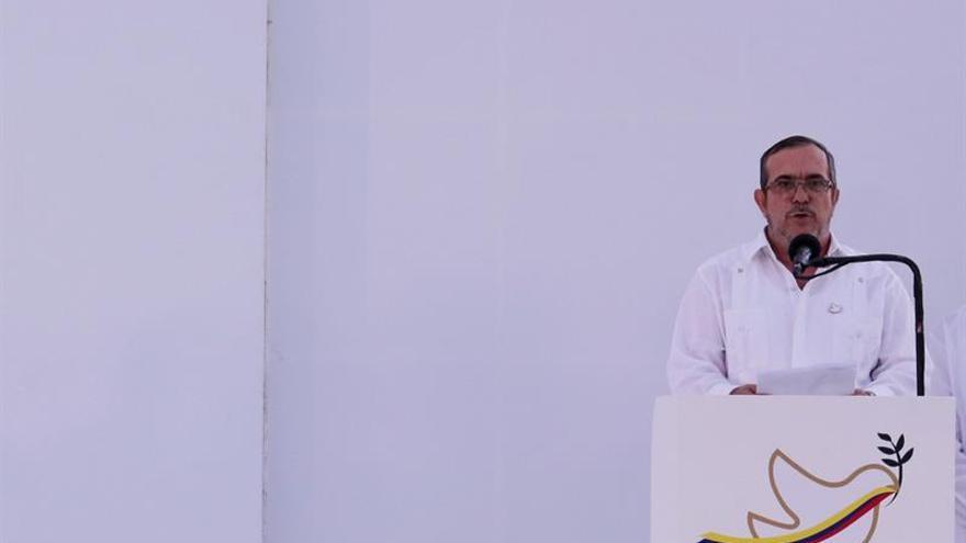 """""""Timochenko"""" pasa susto en su discurso por el sobrevuelo de aviones en Cartagena"""