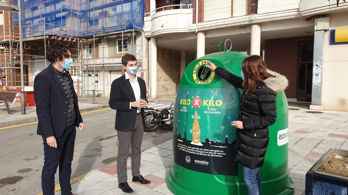 Presentación de la campaña '1 kg de vidrio por 1 kg de alimentos'