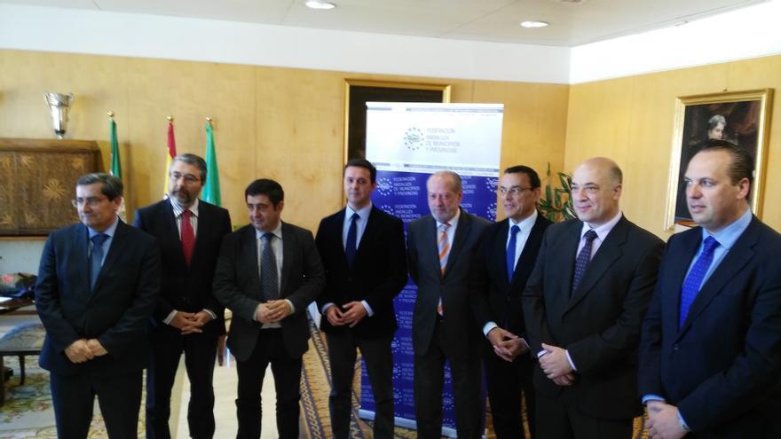 Encuentro de los responsables de la FAMP y presidentes de las diputaciones en Andalucía.