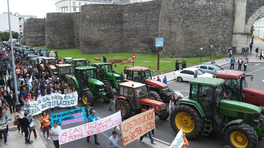 Inicio de la tractorada en Lugo / Merixo