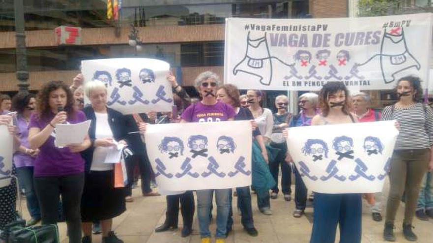 Una protesta feminista con motivo de la multas del 8M
