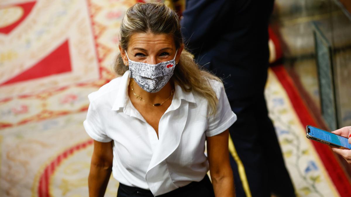 Yolanda Díaz al salir del pleno del Congreso.