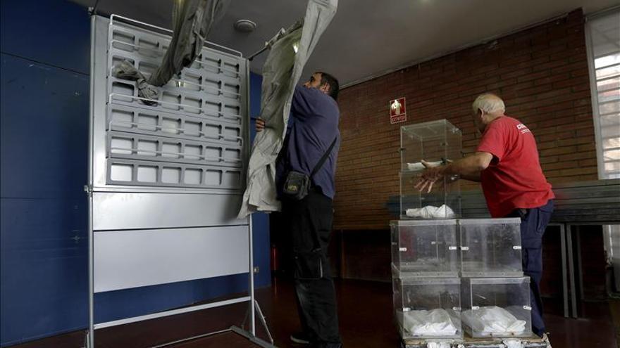 Los principales líderes votan en Madrid, excepto Rivera y Garzón