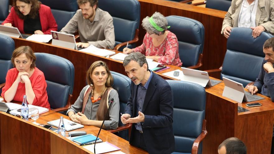 El Grupo de Podemos debate el cese de López con seis ausentes, entre ellos Ramón Espinar, que votarán por vía telemática