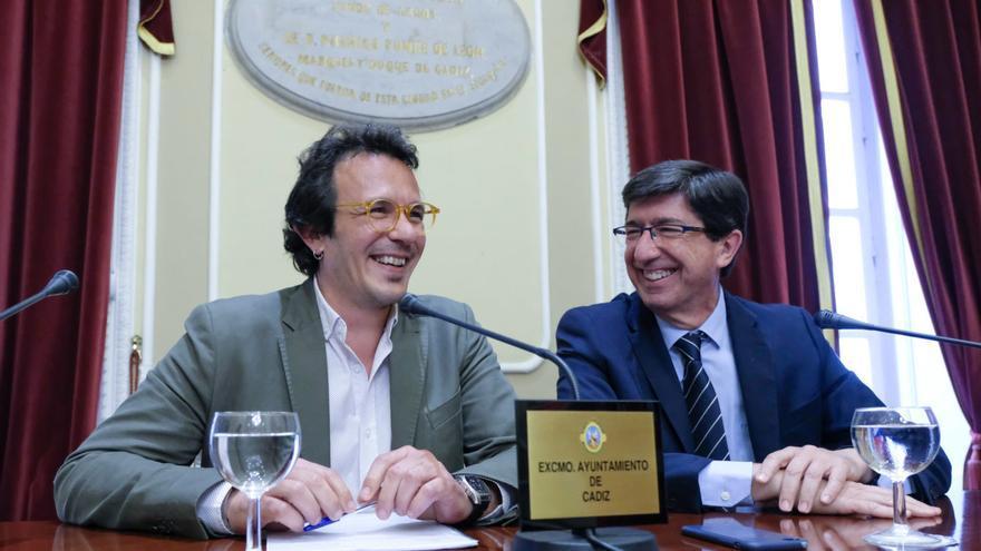 El alcalde de Cádiz y Juan Marín en un acto reciente.