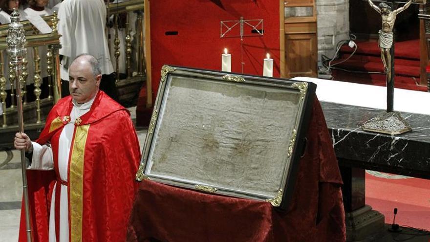 """El Vaticano pide a Sanz que informe ante la """"catarata"""" de las acusaciones contra Lumen Dei"""