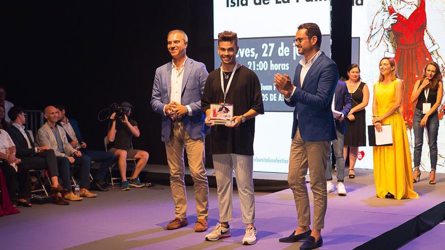 El diseñador tinerfeño Damián Rodríguez obtuvo el segundo premio del certamen.