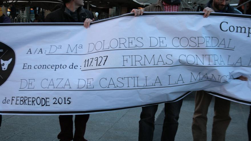 Manifestación en contra de la Ley de Caza