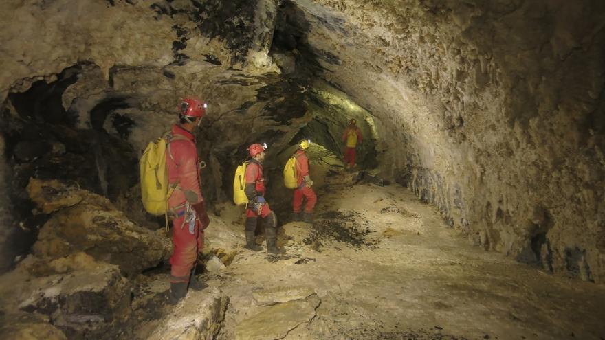 Exploraciones en el Sistema subterráneo del Mortillano confirman que es el mayor de España con más de 140 kilómetros
