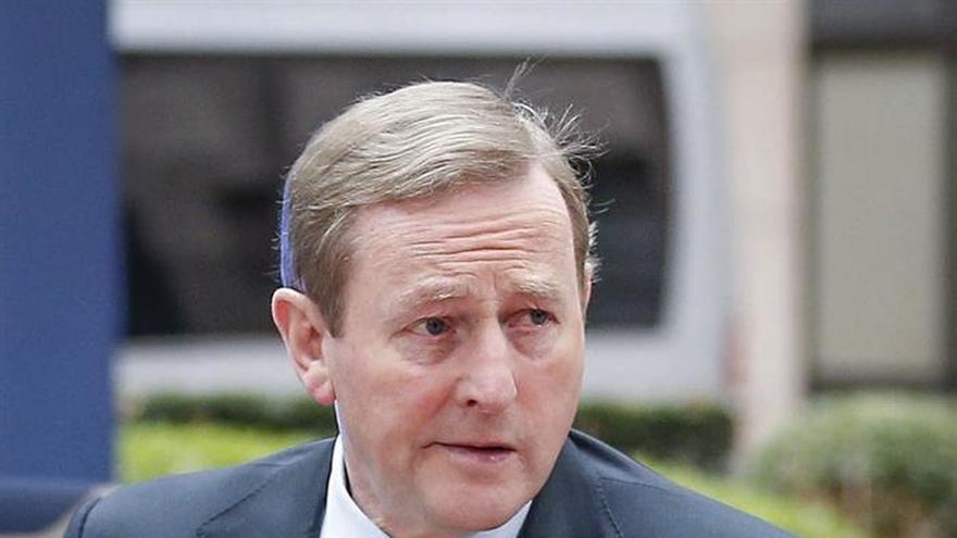 Kenny pide cooperación para acabar con los gánsteres que operan desde España
