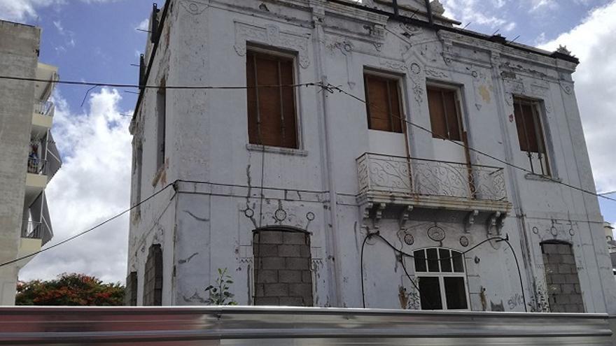 Fachada de la Casa Siliuto. (Belén Molina).
