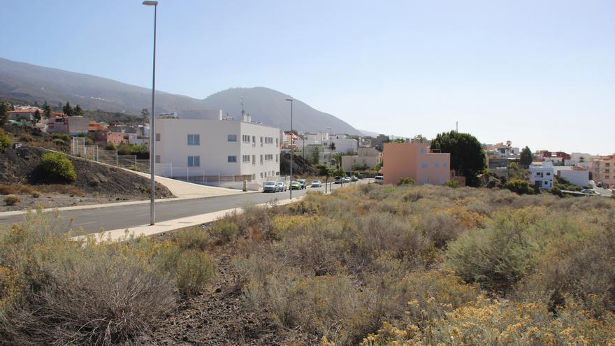 Bloque de viviendas sociales (12) construidas por el Gobierno de Canarias en parte del suelo cedido por el Ayuntamiento de Guía de Isora