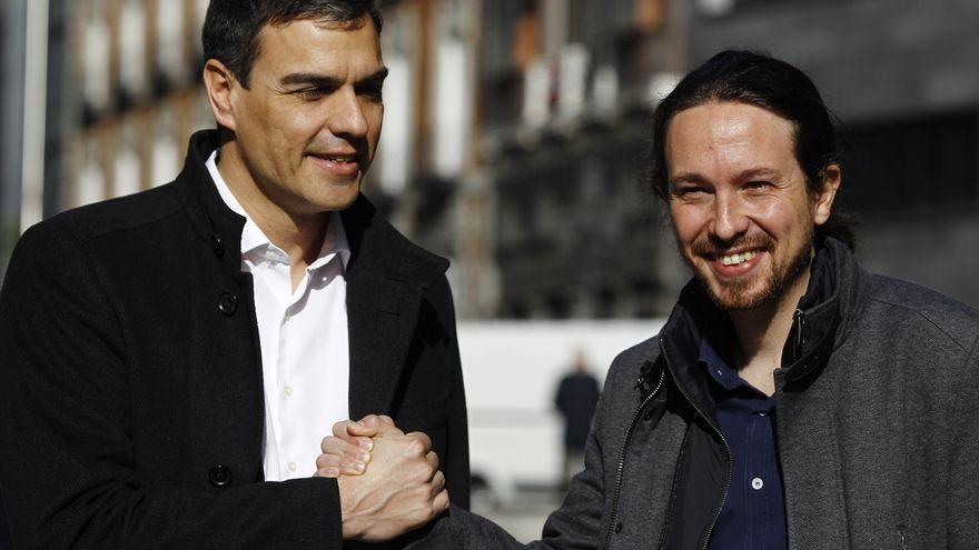 Pablo Iglesias y Pedro Sánchez, antes de una reunión en 2016.