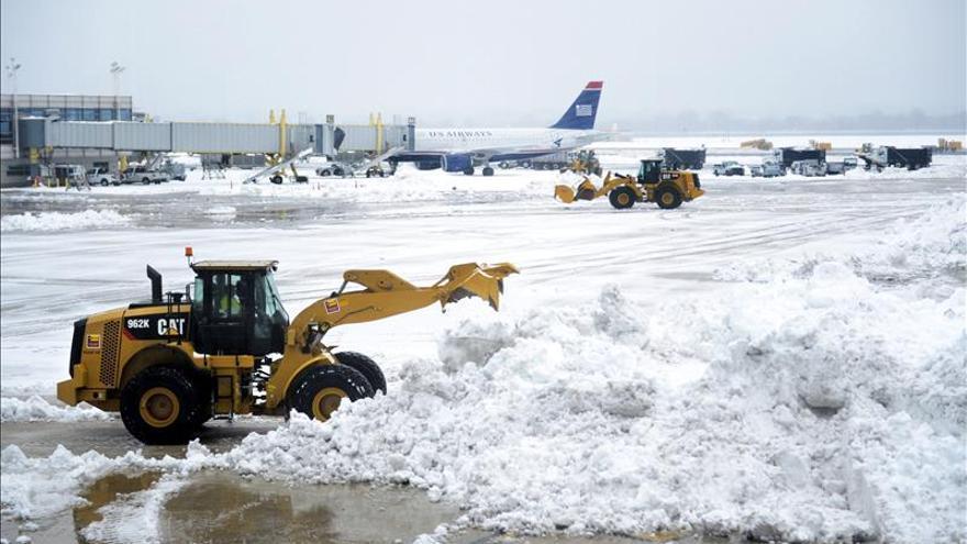"""El nordeste de Estados Unidos se prepara para una """"tormenta histórica"""""""