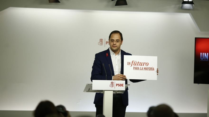 """El PSOE presenta su campaña arremetiendo contra la corrupción del PP y acusando a Rajoy de haberse """"repartido el botín"""""""
