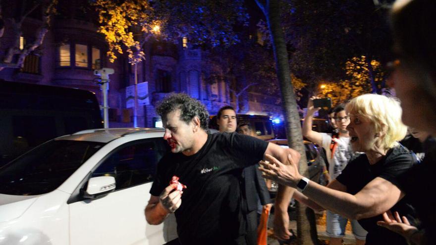 Imagen de la agresión contra un vecino por parte de los ultras