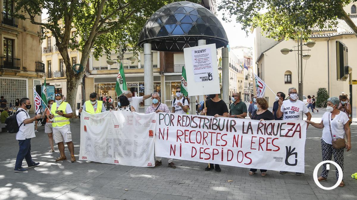 Concentración y Huelga trabajadores de Emergia