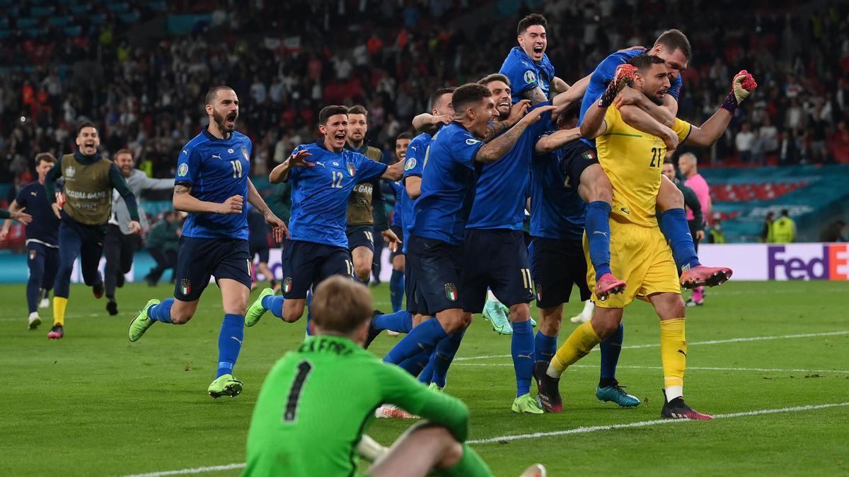 El arquero Gianluigi Donnarumma, héroe de Italia en la final ante Inglaterra.