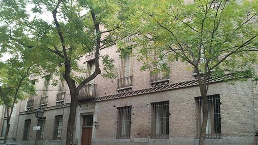 Fachada de la Real Fábrica de Tapices.