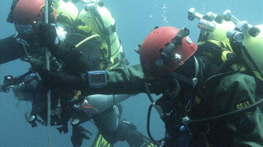 Muere ahogado un buceador en la escollera del puerto de Alicante