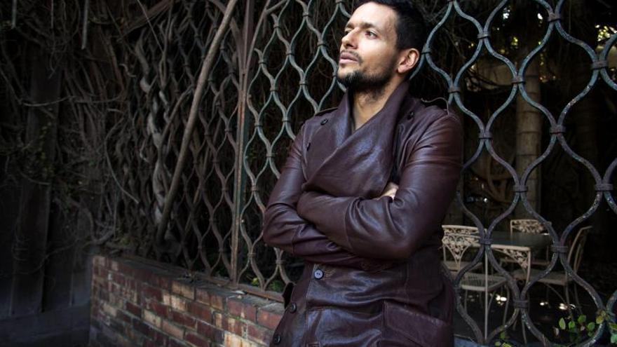 Draco Rosa y La Santa Cecilia triunfan en los premios latinos de los Grammy