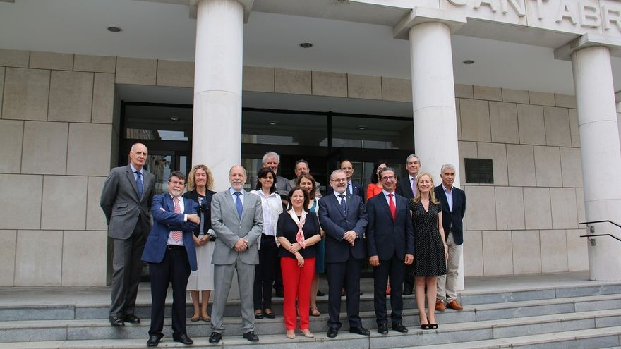 UC y Banco Santander analizan la situación actual y el futuro de sus proyectos comunes