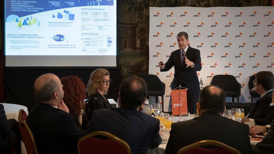 Fernando Clavijo durante la presentación de 'Canarias, destino de inversiones' en Barcelona