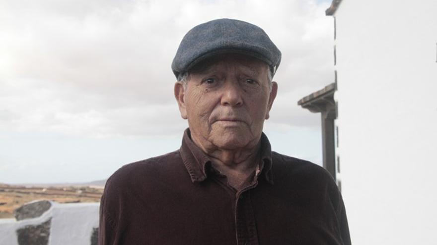 Antonio González Carrión acaba de cumplir 90 años y se siente como un roble.
