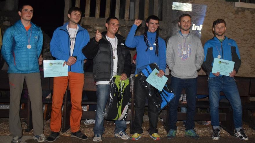 Podio final masculino del Climbers Meeting de Paklenica con Jesús Ibarz y Álvaro Lafuente en el centro (© Rafa Vadillo).