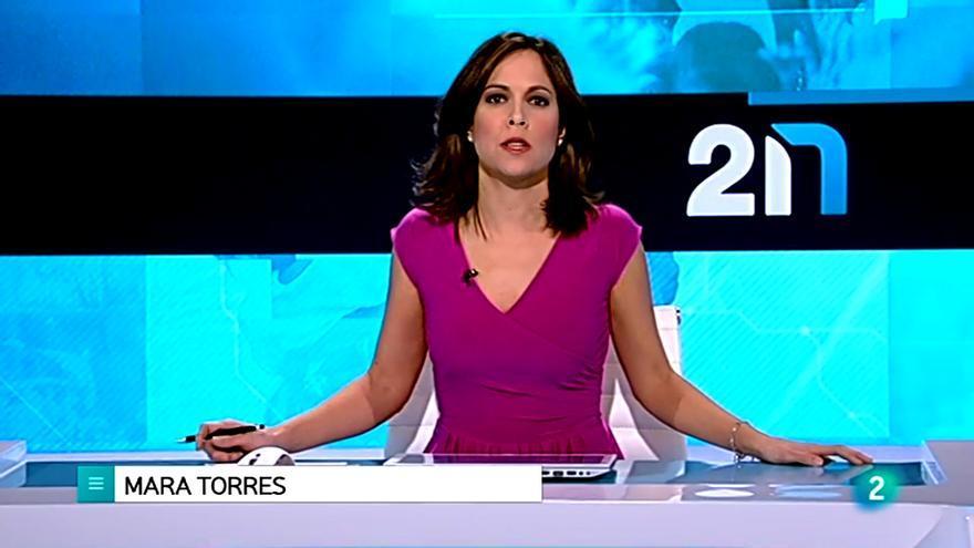 Mara Torres presenta La 2 Noticias