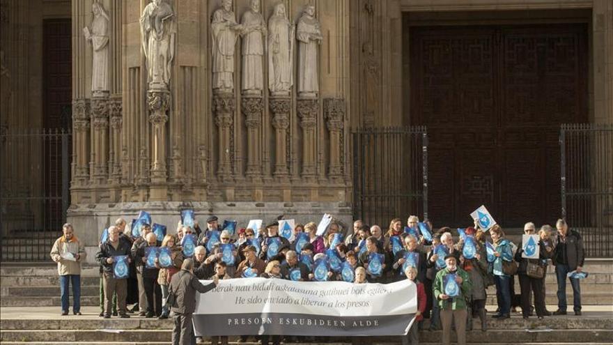 Sacerdotes vascos piden el fin de la dispersión de los presos de ETA