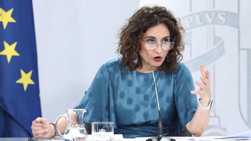 La ministra portavoz, María Jesús Montero, durante la rueda de prensa posterior al Consejo de Ministros este martes.