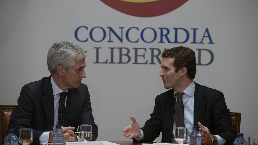 Adolfo Suárez Illana y Pablo Casado, este lunes.