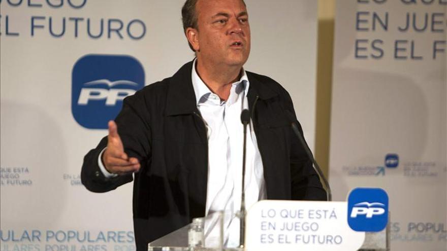 Monago propone al Gobierno una ley antisoborno para combatir la corrupción