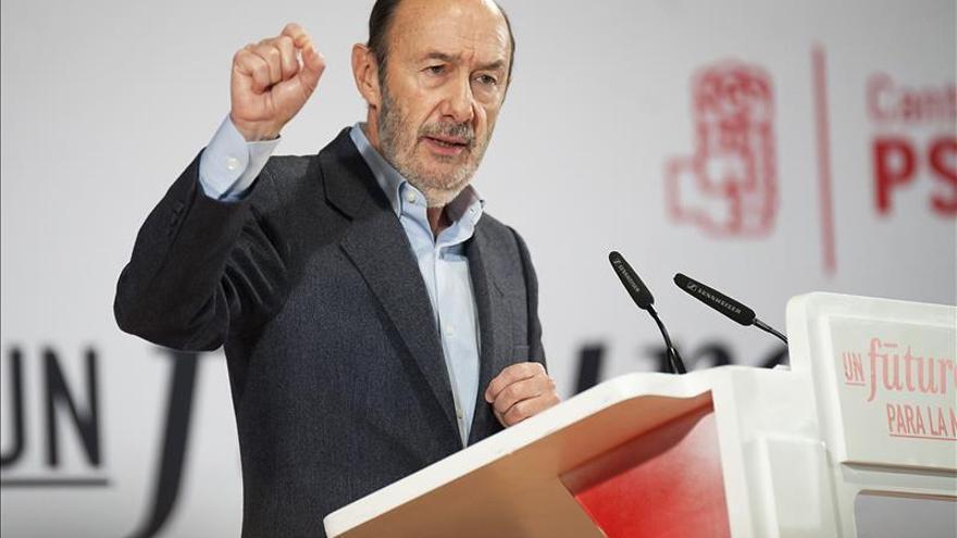 Rubalcaba: Queremos gobernar para recuperar lo que nos quitó la derecha