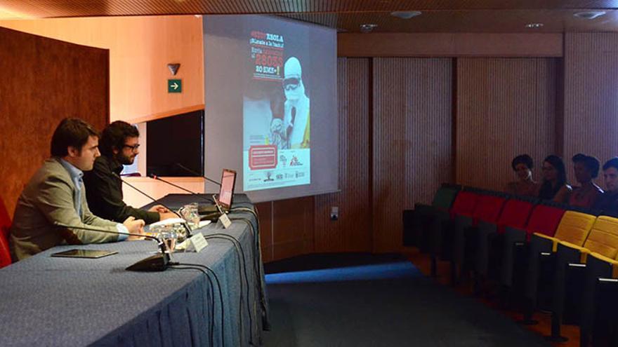 El concejal de Empleo, Bienestar Social e Igualdad del Ayuntamiento de Las Palmas de Gran Canaria, Jaime Romero, junto al periodista y portavoz de la asociación 'CanariasxÁfrica' Txema Santana.