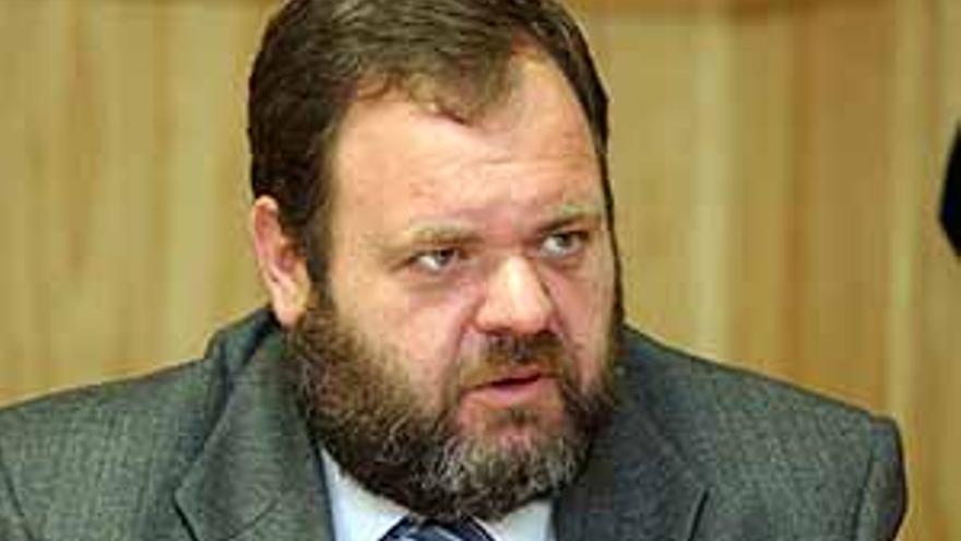 El consejero de Sanidad del Gobierno de Canarias, Fernando Bañolas.