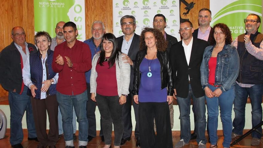 En la imagen, los miembros de la lista de NC al Cabildo de La Palma, con el líder del partido, Román Rodríguez.