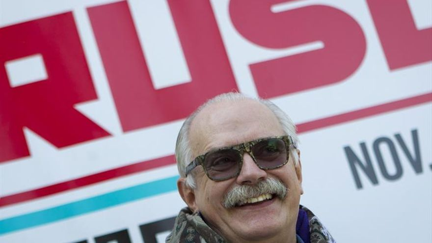 El cineasta ruso Nikita Mijalkov afirma que sin Putin Rusia no existiría