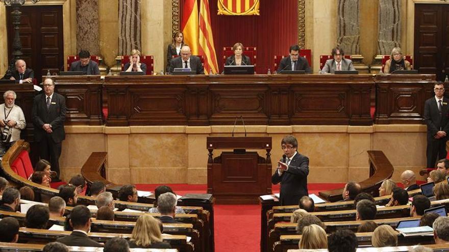 Luz verde del Parlament al impulso de un registro de catalanes en el exterior