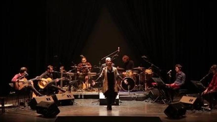 Carles Dénia en una interpretación del 'Cant Espiritual'.