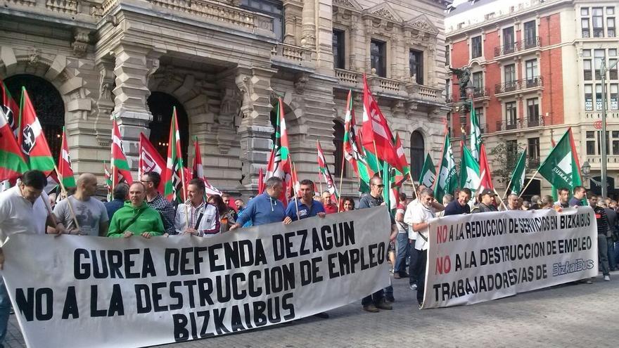 Sindicatos de Bizkaibus mantienen los paros tras reunirse con la Diputación de Bizkaia