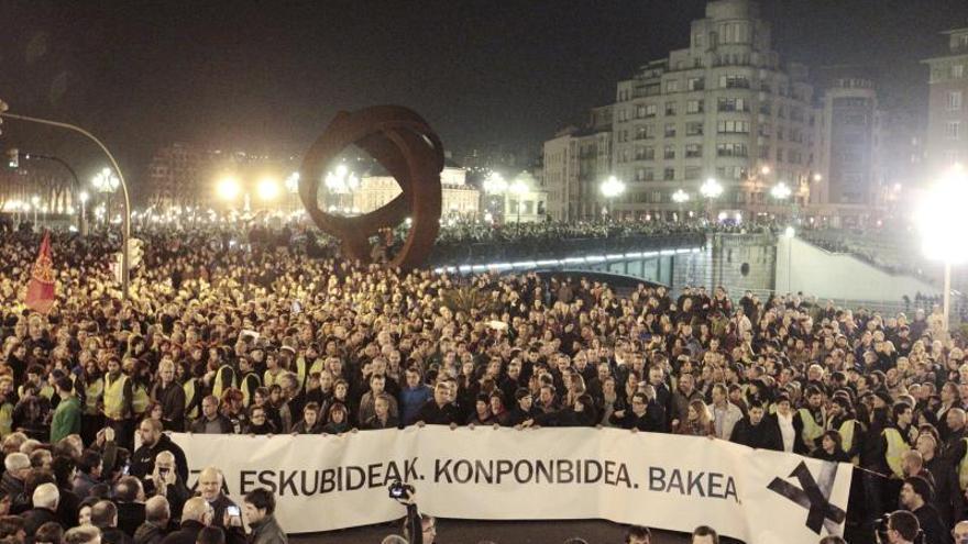 Más de 100.000 personas secundan en Bilbao una marcha a favor se los presos de ETA