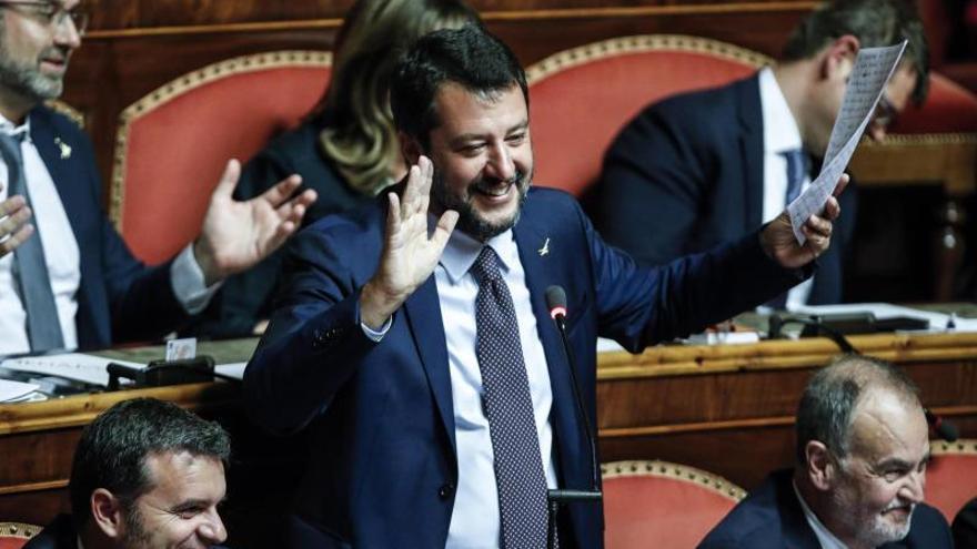 """El movimiento de las """"sardinas"""" contra Salvini"""