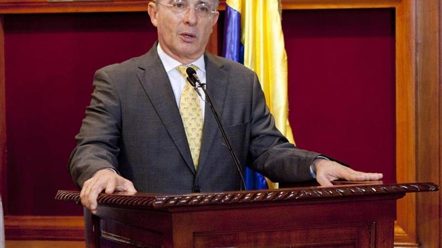 Uribe hablará el martes sobre el fallo contra funcionarios de su Gobierno