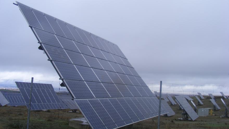 Archivo - Imagen de archivo de paneles solares
