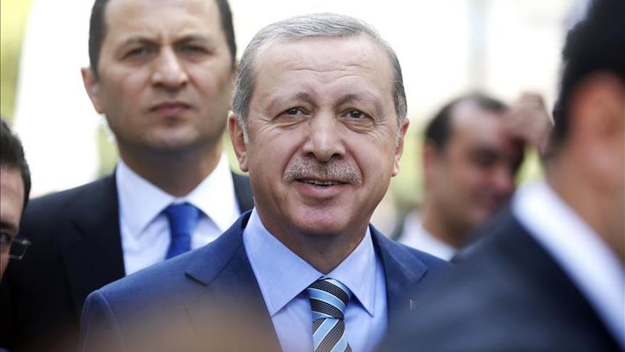 El presidente turco culmina su visita a Chile y viaja a Perú