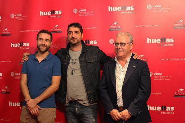 El investigador Adrián Vallejo, Antonio Orozco y el director general de Fluchos, Antonio Saez, en la presentación del Proyecto Huellas 2016 | Fotografía: Beatriz L.